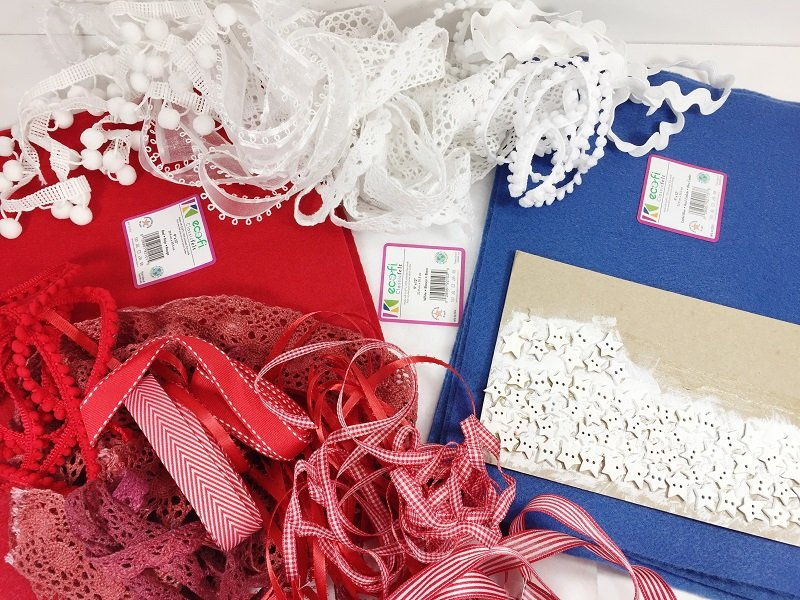 Patriotic Ribbon and Lace Flag with Kunin Felt by Creatively Beth #creativelybeth #createwithkunin #flag #craft #scrapflag