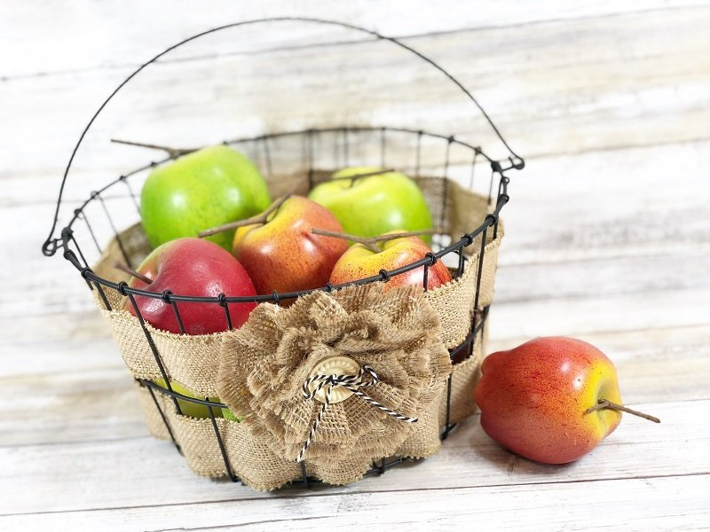 Upcycle an old wire basket with burlap ribbon for farmhouse style in 15 minutes Creatively Beth