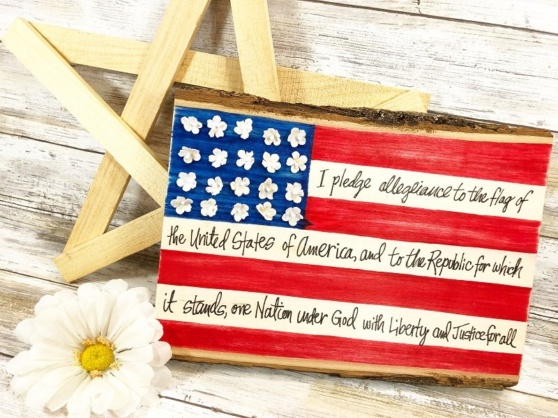 CREATIVELY BETH CRAFT LIGHTNING HAND LETTERED AMERICAN FLAG PLAQUE