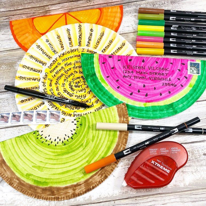 Create Happy Mail Art with Paper Plates and @CreativelyBeth #happymailart #creativelybeth #tombowdualbrushpens