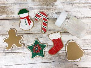 Glitter makes everything sparkle #creativelybeth #dollartreecrafts #christmascookies #kidscrafts