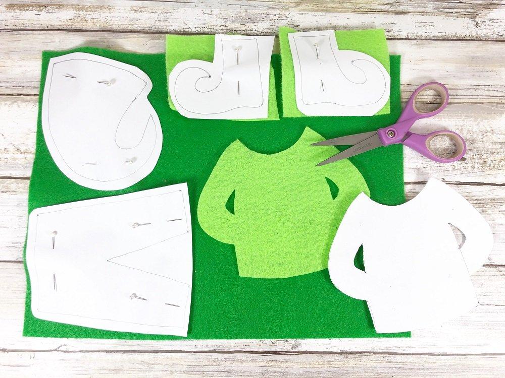 Cut FREE Printable Patterns from Kunin Felt #creativelybeth #createwithkunin #christmascrafts #feltgarland