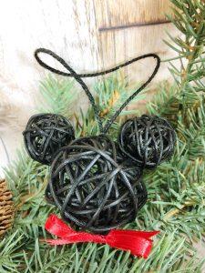 Mickey Dollar Tree Ornaments #creativelybeth #mickeyandminnie #disneycraft #christmascraft