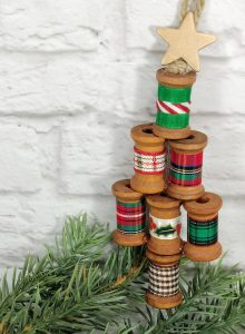 Wooden Spool Christmas Tree Ornament Craft Creatively Beth #creativelybeth #christmasornaments #handmade #30minutecrafts #christmascrafts