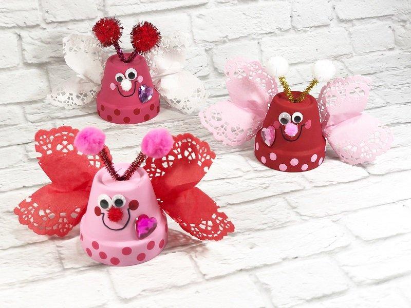 Kids Craft Clay Pot Love Bugs Craft Creatively Beth #creativelybeth #dollartreecrafts #kidscrafts #claypotcrafts #valentinesdaycrafts