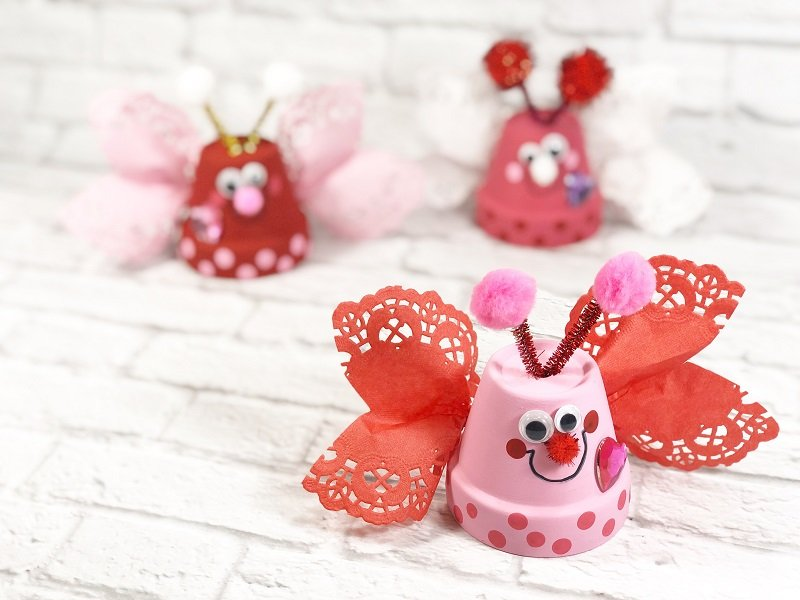 Dollar Tree Clay Pot Love Bugs Craft Creatively Beth #creativelybeth #dollartreecrafts #kidscrafts #claypotcrafts #valentinesdaycrafts