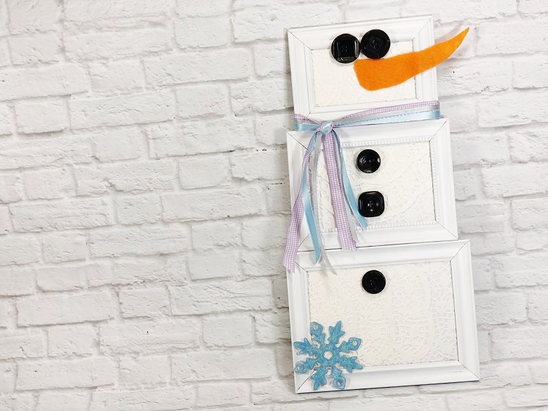 30 Minute Dollar Tree Picture Frame Snowman Creatively Beth #creativelybeth #dollartreecrafts #snowmancrafts #kidscrafts #wintercrafts