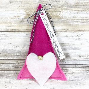 Valentine's Day Gnome Stuffies with Fairfield World Creatively Beth #creativelybeth #polyfil #gnomes #stuffies #valentinesdaycrafts