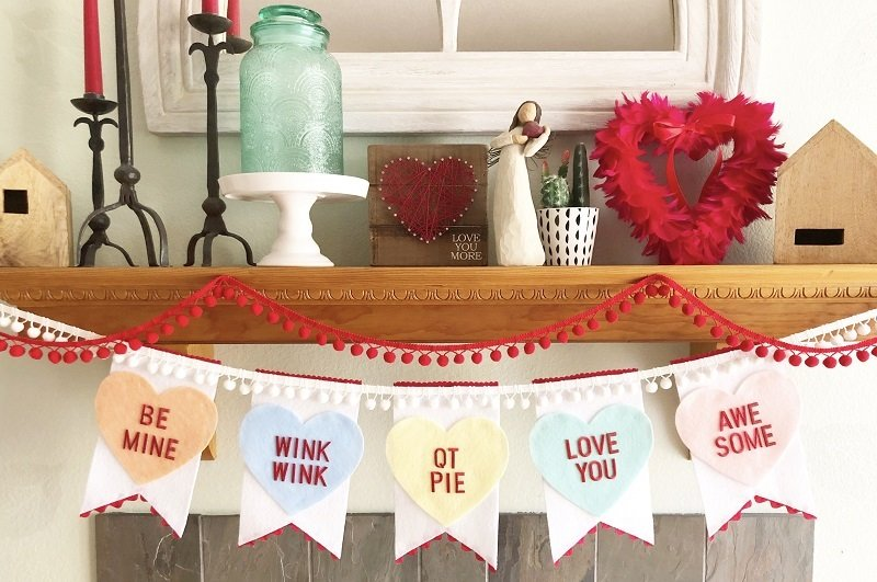 Conversation Candy Heart Banner by Creatively Beth #valentinecrafts #heartcrafts #feltcrafts #creativelybeth