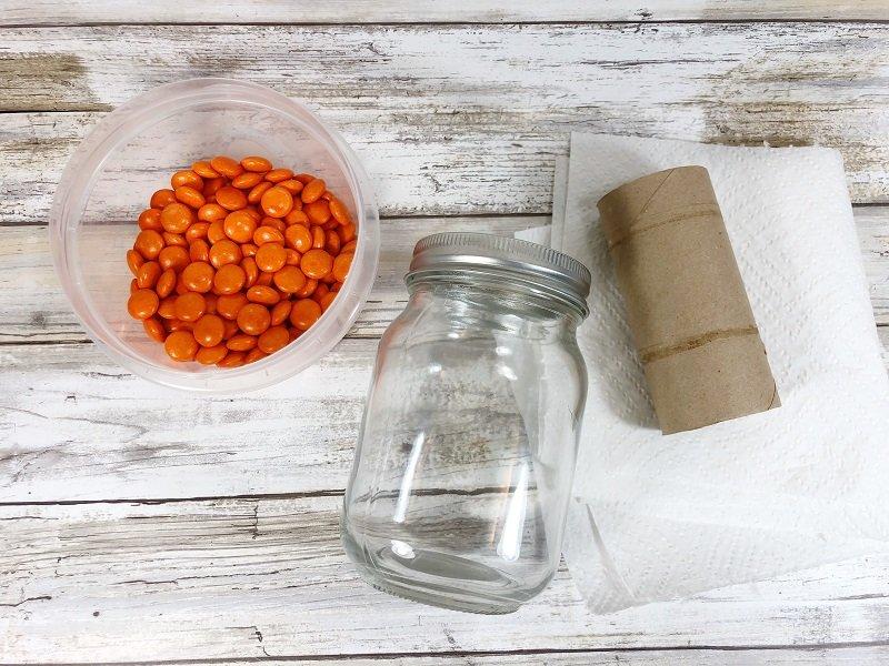 Fill a Mason Jar with Candy Creatively Beth #creativelybeth #masonjarcrafts #leprechaun #stpatricksday #kidscrafts