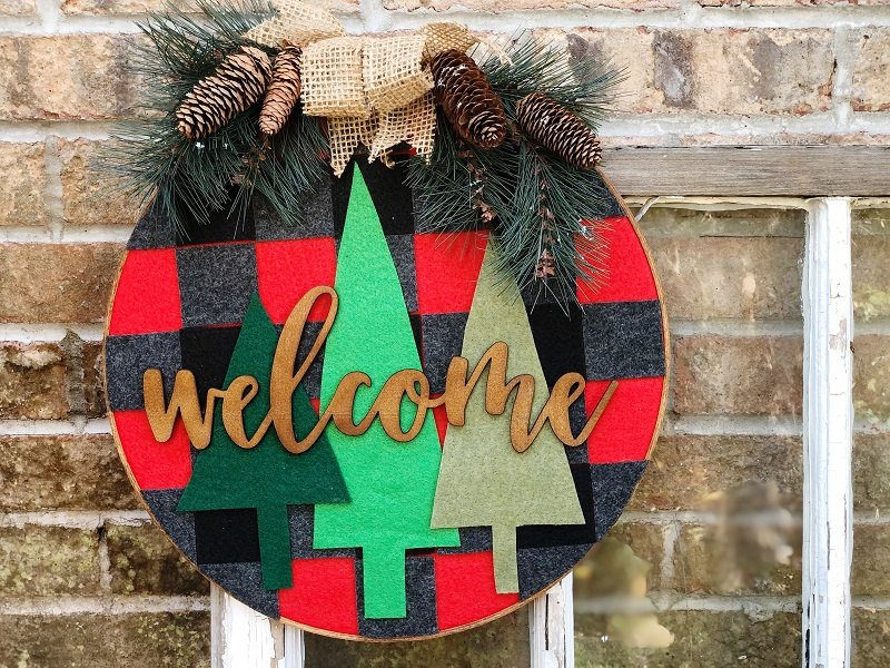 Create Buffalo Plaid with Kunin Felt Creatively Beth #creativelybeth #farmhouse #hoopwreath #buffaloplaid