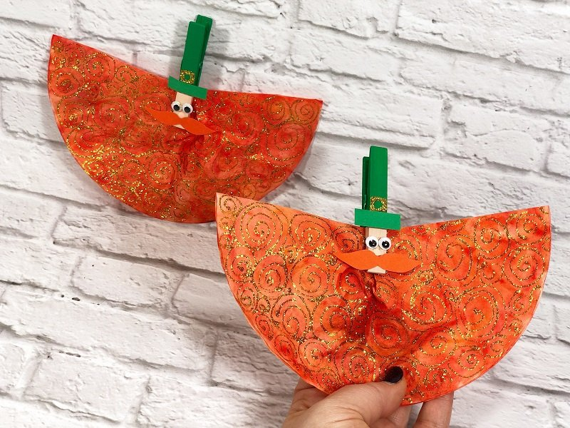 Dollar Tree Coffee Filter Leprechauns Creatively Beth is Crafting with the Kiddos #creativelybeth #leprechauns #stpatricksdaycrafts #kidscrafts #dollartreecrafts