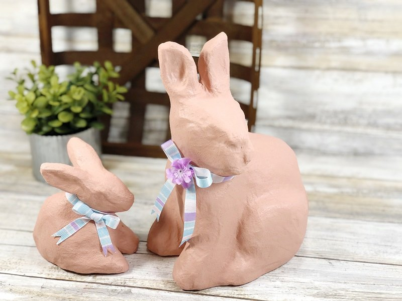Easy DIY Spring Bunny Decor with DecoArt Creatively Beth #creativelybeth #decoart #decoartproject #craftweek2020 #spring #bunny #homedecor