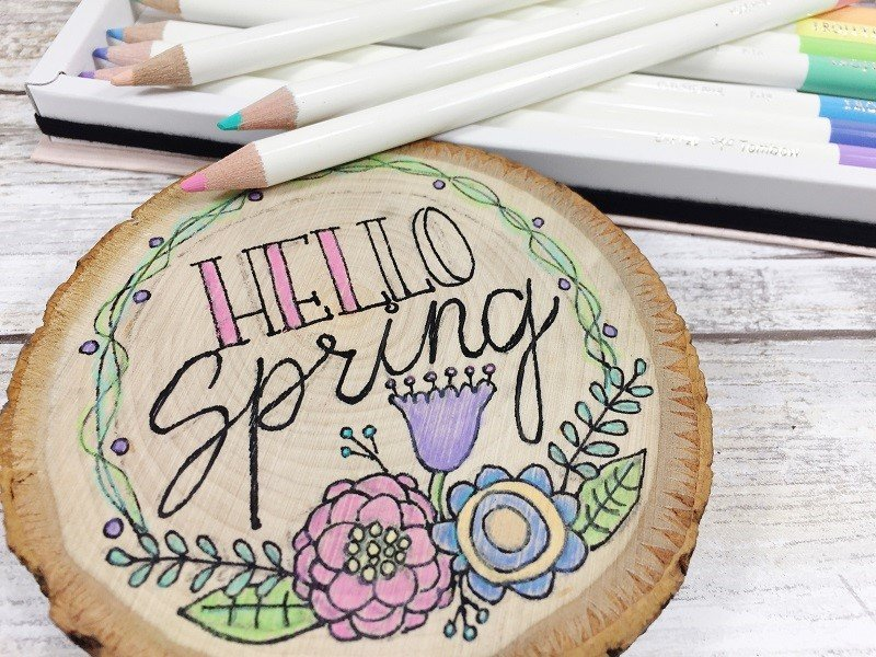 Color in lettering and doodle with colored pencils Creatively Beth #creativelybeth #woodburning #springcrafts #woodslice #doodle #handlettering