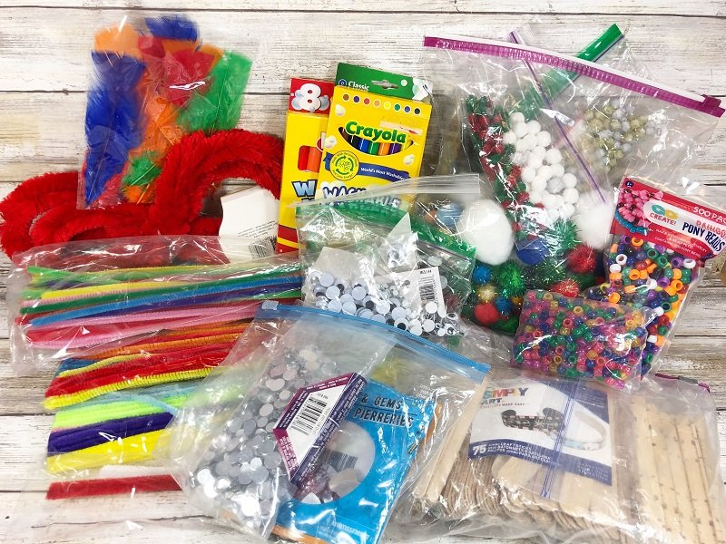 My kids craft supplies are always a mess Creatively Beth #cretivelybeth #dollartreecrafts #kidscrafts #colorblending #rainbowcrafts