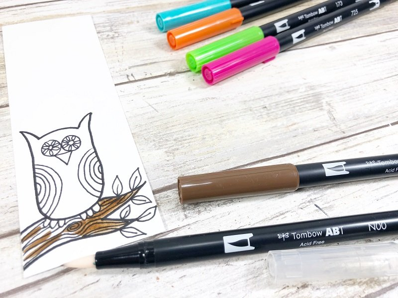 Coloring with Tombow Dula Brush Pens Creatively Beth #creativelybeth #owls #freeprintable #howtodoodle #drawing