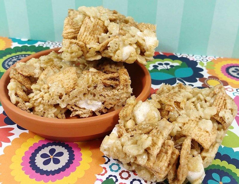 Churro Marshmallow Crispy Treats Creatively Beth #creativelybeth #ricekrispietreats #churro #dessert #churrocrispytreats #cincodemayo