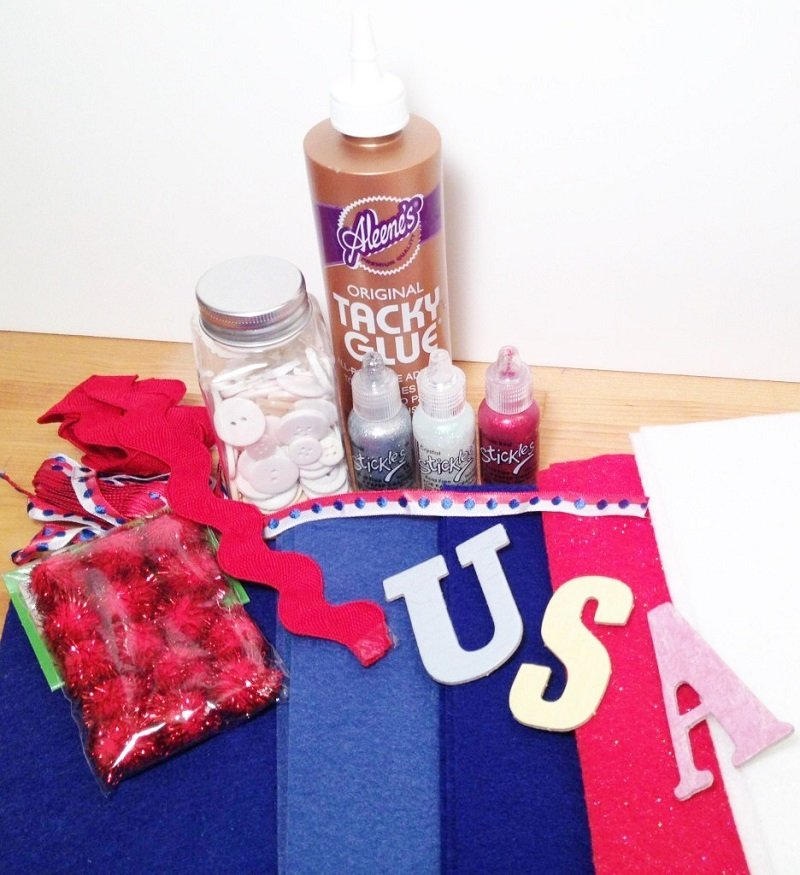 Gather all materials needed for a DIY Fire Cracker Banner Creatively Beth #creativelybeth #fourthofjuly #patriotic #crafts #feltcrafts #quickandeasy