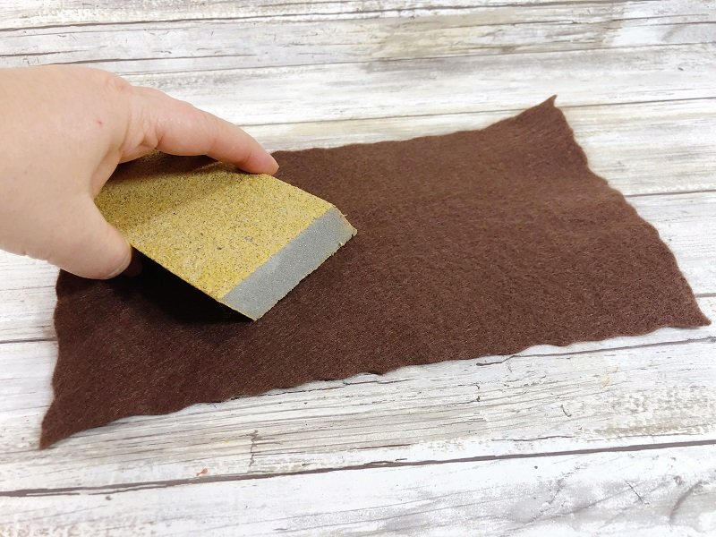 Rough up the surface of the felt with sandpaper for texture Creatively Beth #creativelybeth #harrypottercrafts #crafts #kidscrafts #feltcrafts