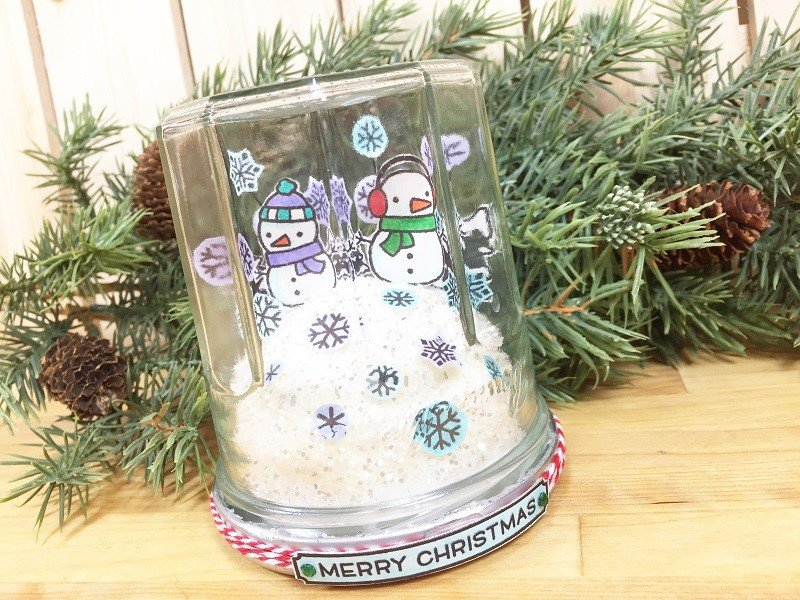 DIY Snow Globe Christmas Card from a Recycled Jar with Tombow Dual Brush Pens Creatively Beth #creativelybeth #snowglobe #tombowdualbrushpens #christmascrafts