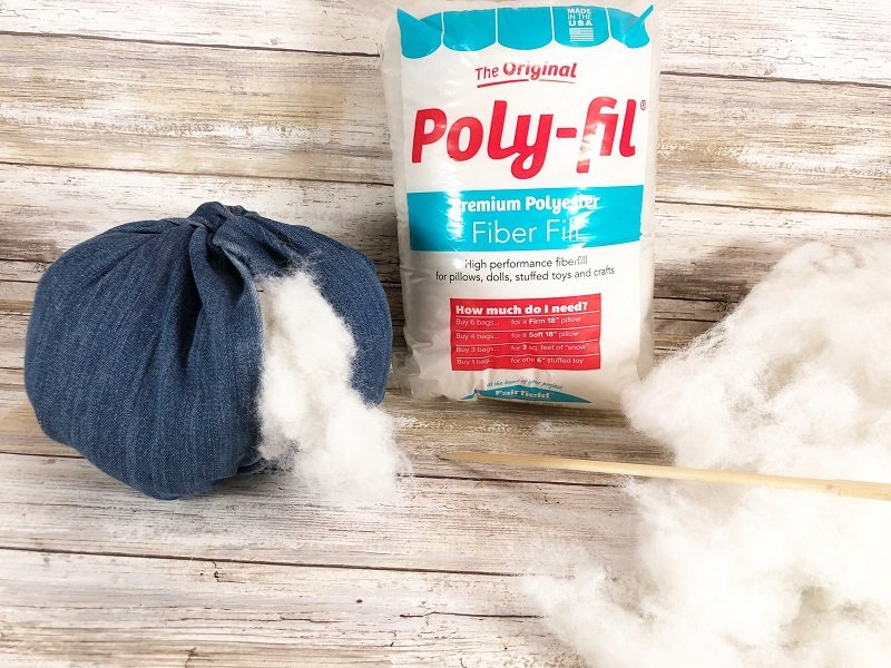 Stuff blue jean pumpkins with Poly-fil to give this DIY some dimension Creatively Beth #creativelybeth #upcycle #recycle #denim #crafts #falldecor #pumpkins #autumndecor #diy