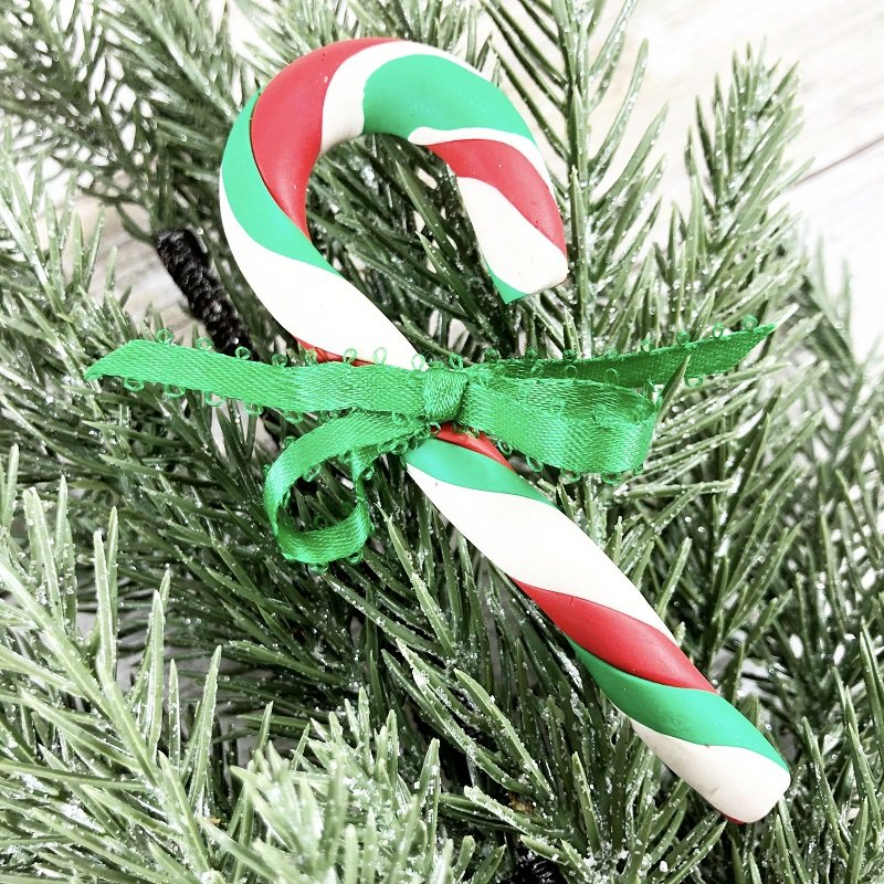 Polymer Clay Candy Cane ornament for Christmas Creatively Beth #creativelybeth #polymerclay #christmas #ornaments