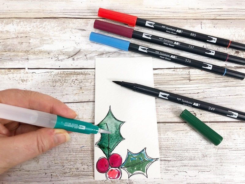 Color images with the Tombow Watercolor Set Creatively Beth #creativelybeth #freeprintable #holiday #tags #watercolor