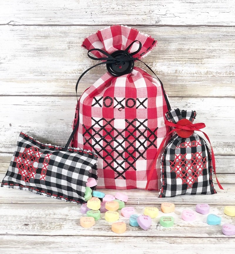 No Sew Faux Cross Stitched Valentine's Gift Bags Creatively Beth #creativelybeth #crossstitch #valentinesdaycrafts #nosewcrafts #giftbags