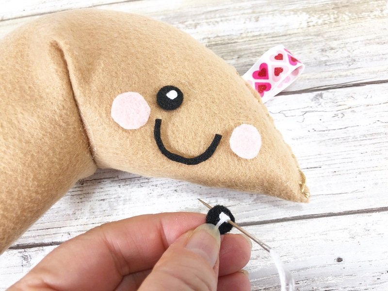 Kawaii Fortune Cookie Valentines Stuffed with Poly-Fil by Creatively Beth #creativelybeth #fairfieldworld #polyfil #kawaii #fortunecookie #valentine #stuffed #pillow