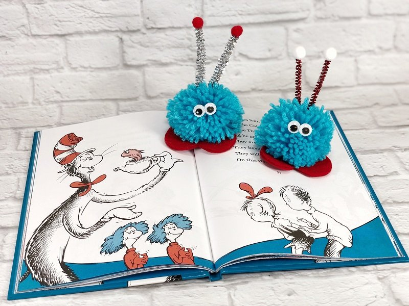 Pom Pom Love Bug Craft Thing 1 and Thing 2 Creatively Beth #creativelybeth #pompomcraft #lovebug #drseuss #catinthehat #thing1andthing2 #pompomcraft