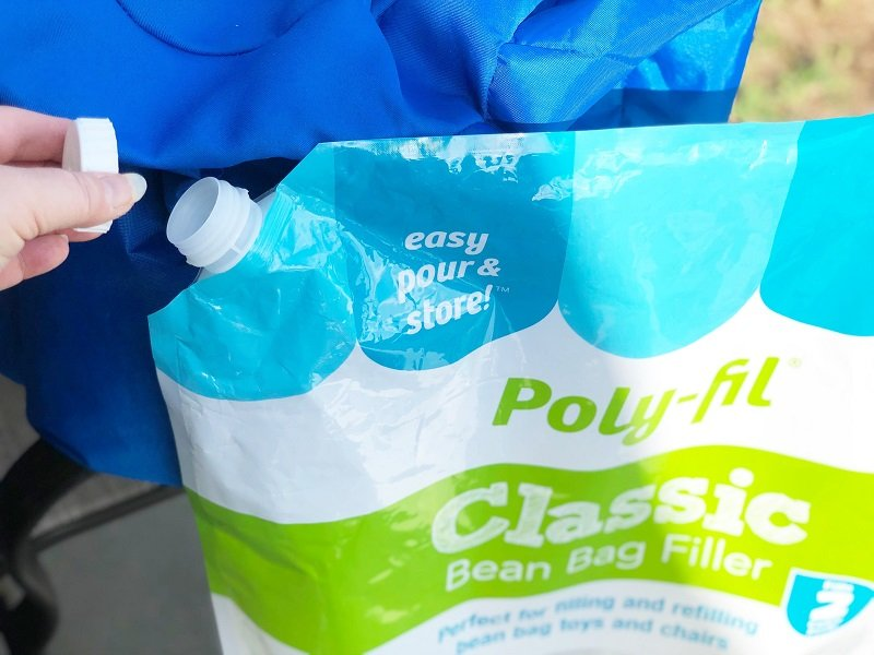 Poly-Fil Classic Bean Bag Filler has a convenient resealable pour spout by Creatively Beth #creativelybeth #madewithFFW #fairfieldworld #beanbagchair