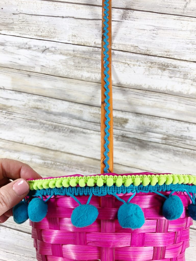 Mix and match colors of trims on Easter baskets Creatively Beth #creativelybeth #easterbasket #dollartree #boho
