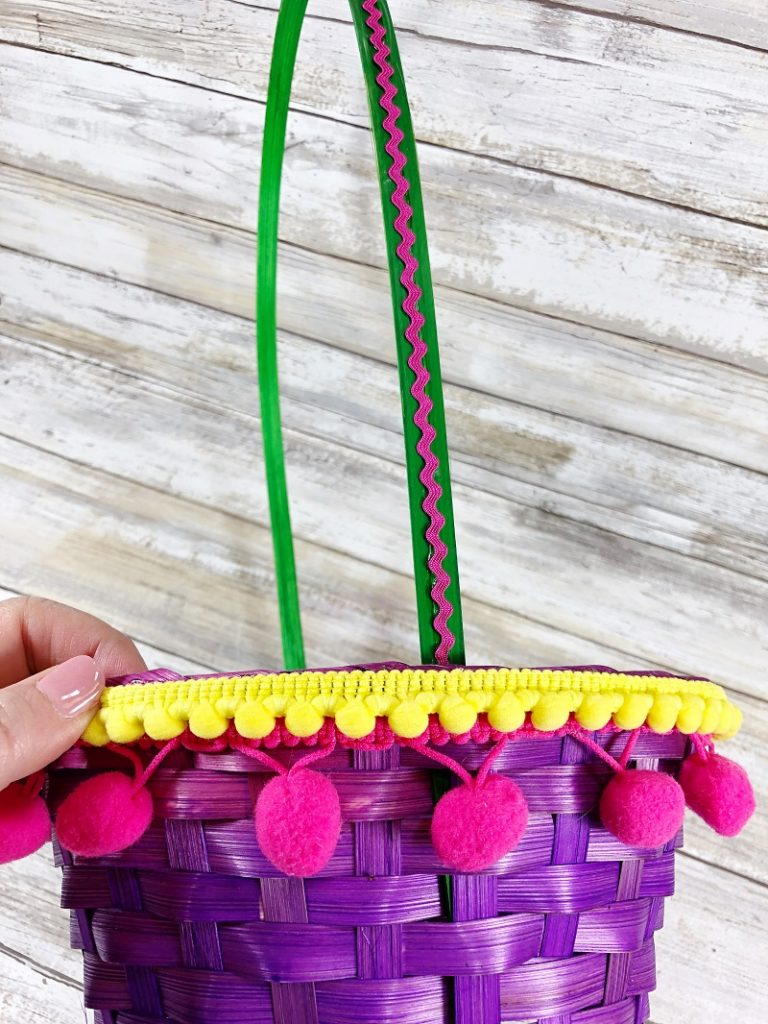 Bright colorful trims add layers of texture to the Easter baskets Creatively Beth #creativelybeth #easterbasket #dollartree #boho