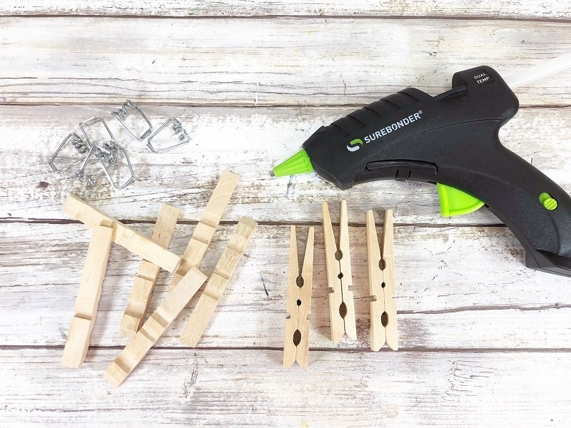 Remove metal spring from clothespin and glue back together Creatively Beth #creativelybeth #dollatreecrafts #eastercrafts #bunny #bunnies #clothespincrafts