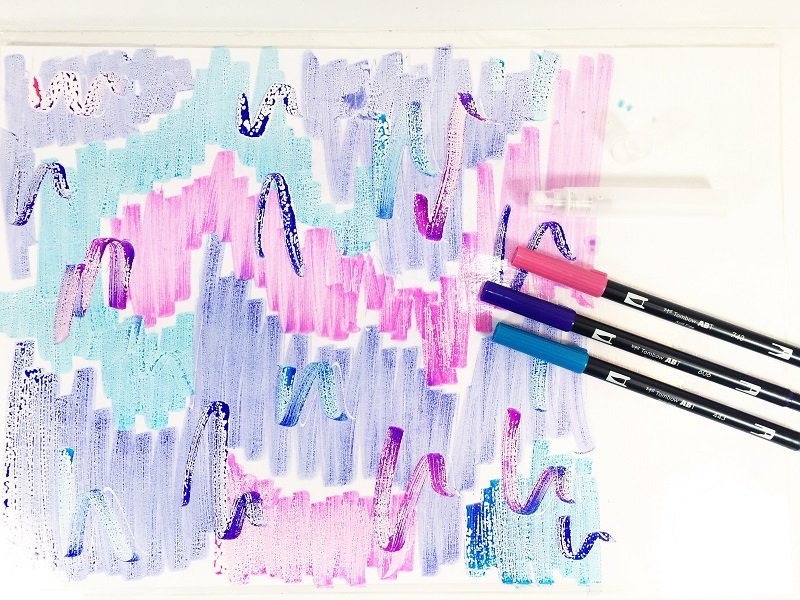 Scribble Dual Brush Pens on the Tombow Blending Palette Creatively Beth #creativelybeth #tombowdualbrushpens #watercolor #marbledpaper #watercolorbackgrounds