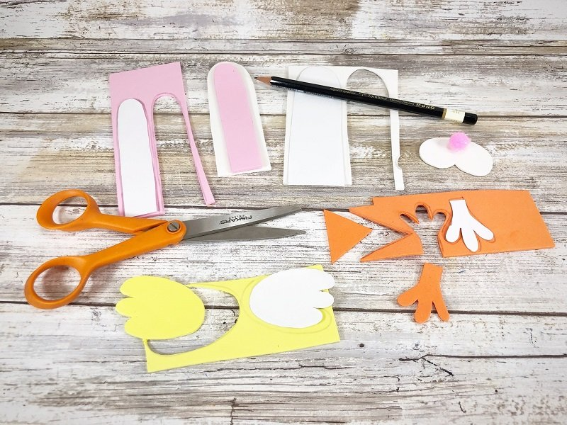 Download pattern sheet, trace onto craft foam and cut out with scissors by Creatively Beth #creativelybeth #recycledcraft #upcycled #easterbunny #easterchick #eastercraft