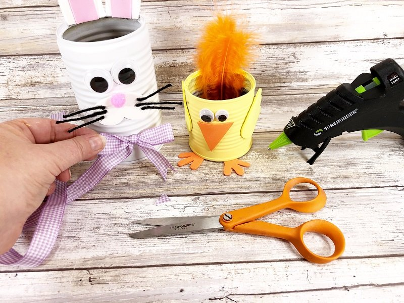 Add a bow to the Bunny Can by Creatively Beth #creativelybeth #recycledcraft #upcycled #easterbunny #easterchick #eastercraft