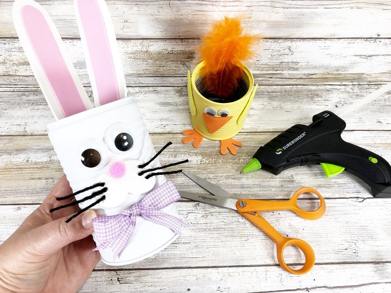 Finished Bunny can by Creatively Beth #creativelybeth #recycledcraft #upcycled #easterbunny #easterchick #eastercraft