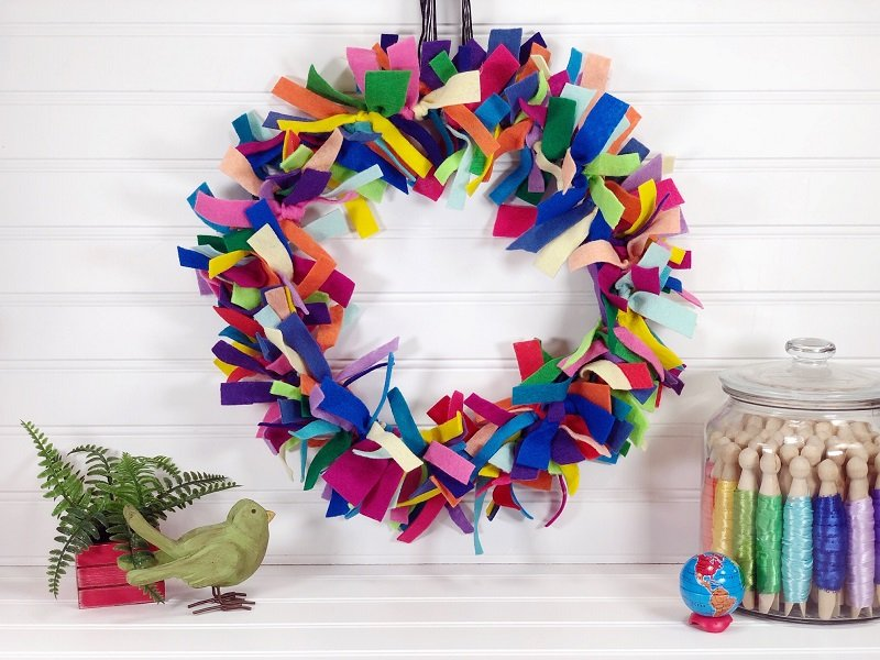 Upcycled Rainbow Scrap Wreath with Earth-friendly Kunin Felt by Creatively Beth #creativelybeth #createdwithkunin #kuninfelt #feltprojects #upcycledcrafts