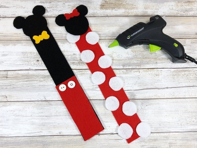 Assemble the Mickey Mouse Bookmark by Creatively Beth #creativelybeth #disneycrafts #mickeymouse #minniemouse #bookmarks #freepatterns