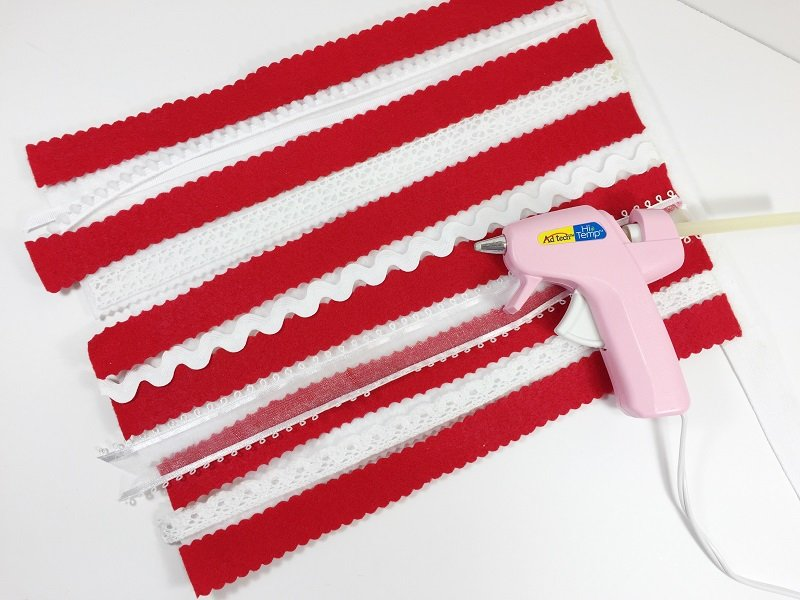 Add Ribbon and Lace with glue gun by Creatively Beth #creativelybeth #createwithkunin #flag #craft #scrapflag
