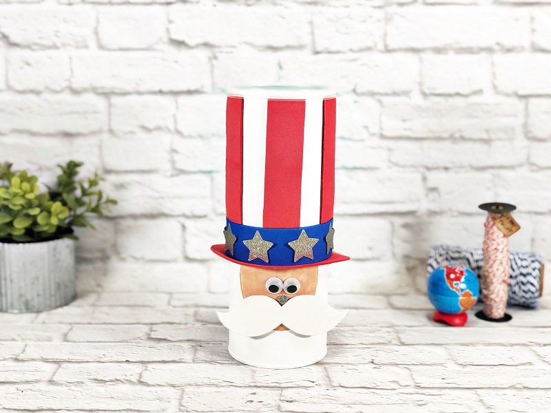 Uncle Sam Upcycled Chip Can Craft by Creatively Beth #creativelybeth #unclesam #kidscraft #patriotic #julyfourthcrafts